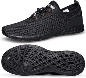 zapatos de agua negros